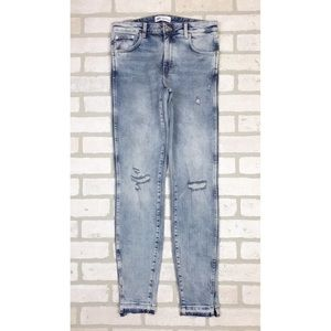 Zara Distressed Light Wash Skinny Jeans 6
